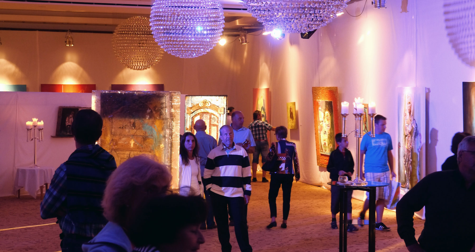 """Solo exhibition at the ballroom of the """"Castle Velden"""" at the Wörthersee, Austria"""